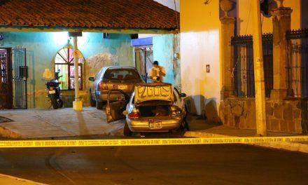 En persecución policíaca detiene vehículo en La Estancia