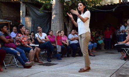 Piden a Mely Romero resolver inseguridad, desabasto de agua y espacios lúdicos