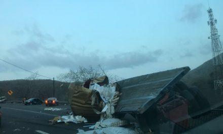 Confirma Protección Civil: Mueren 9 personas en accidente carretero