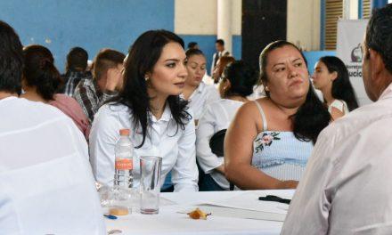Ciudadanos deben consolidar el ejercicio de la función pública: Mely