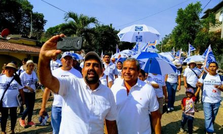 Candidato del PAN-PRD, centra sus ataques en Mely Romero, en Cuauhtémoc
