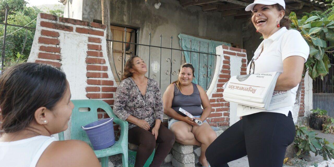 Claudia Yáñez se compromete a combatir la pobreza y la corrupción ante coquimatlenses