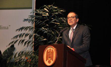 Revitalizante participar en actividades universitarias: Gobernador Peralta