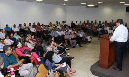 Capacita U de C a nuevos funcionarios y directivos en temas de la institución
