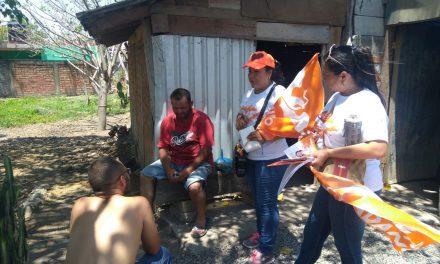 Promete Gladia Mendoza apoyar a artesanos y productores de Comala