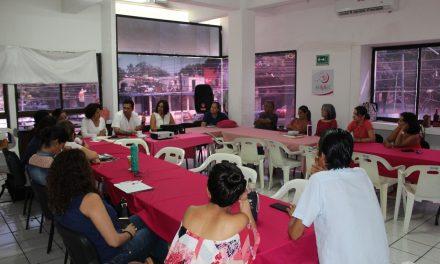 Ante empresarias, María Elena Abaroa, propone conformar un consejo económico y social