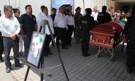 Rinde SSP homenaje al delegado de la Policía Estatal en Tecomán