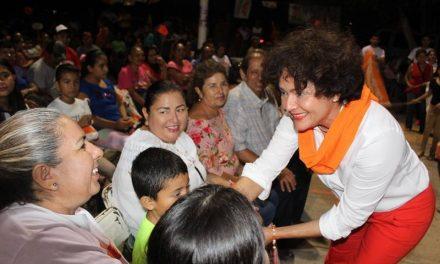 Desde el Senado, impulsaremos el desarrollo de Coquimatlán y sus familias: María Elena Abaroa