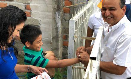 Felipe Cruz se compromete a construir cinco canchas deportivas de llegar a ser alcalde