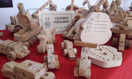 Realizan Expoventa artesanal en Zentralia; participan artesanos colimenses