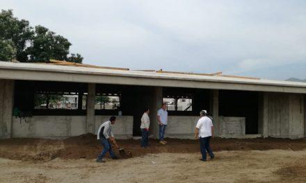 Avanza construcción de secundaria en  la colonia Terraplena en Manzanillo