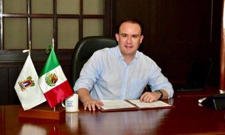 Héctor Insúa se reincorpora a la alcaldía del Ayuntamiento de Colima