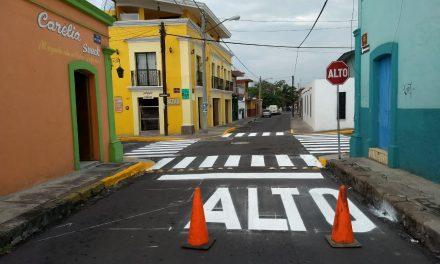 """Tránsito Municipal implementa """"Alto, Uno y Uno"""" en zonas de la ciudad de Colima"""