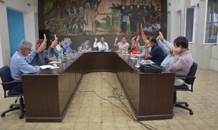 Se reintegra Yulenny Cortés al cargo de presidenta municipal, luego de perder las elecciones
