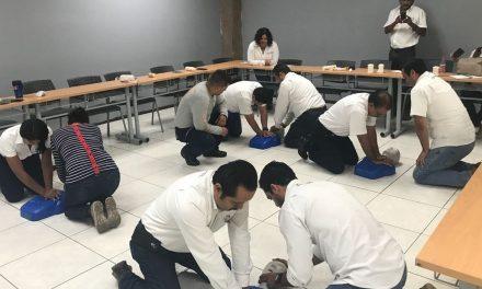 Protección Civil imparte curso de primeros auxilios a personal de Contraloría y C4