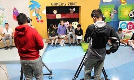 El Alumnado de nueve escuelas visitó el estudio de radio y televisión Comunicarte
