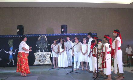 RealizaCUBAMmuestraartísticasemestral, en Manzanillo