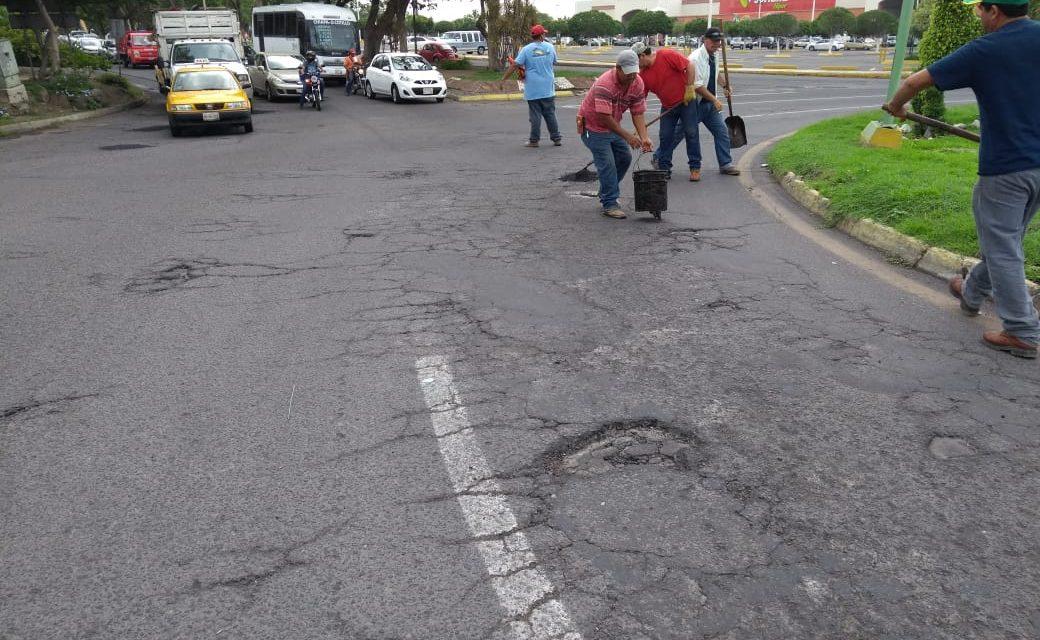 Se inició  programa emergente de bacheo en las Avenidas Benito Juárez, Pablo Silva y J. Merced Cabrera, en V de A