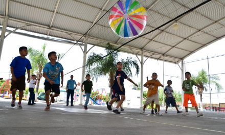 Iniciaron los cursos deportivos de verano en la capital