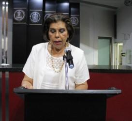 """Proponen diputados del PRI, cárcel para quien preste el servicio público de taxi """"pirata"""""""