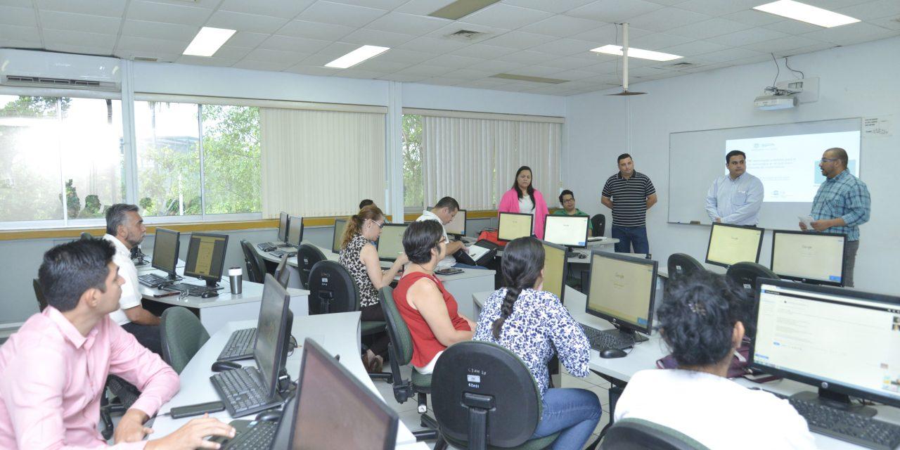 Aprenden profesores de Matemáticas  a utilizar tecnologías en clase