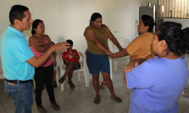 DIF Estatal realiza charlas en comunidad de Agua Zarca, en Coquimatlán