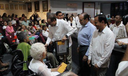 Los treinta ancianos con más de 100 años en Colima