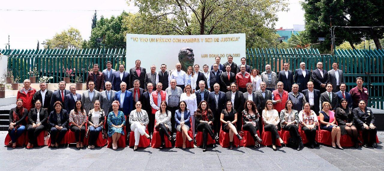 Encabeza Claudia Ruiz Massieu reunión con los dirigentes priistas de los estados