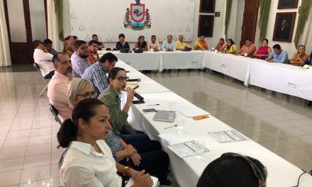 Capacitan aautoridades municipales electas; participan alcaldes, síndicos y regidores electos