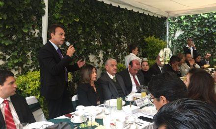 Va Colima por turistas chinos; el secretario Efraín Angulo participó en una reunión con el embajador de China en México