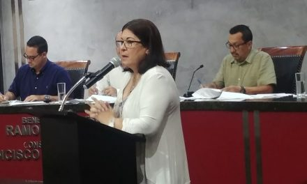 Acusa Gabriela Sevilla al gobernador Peralta, de desatender el problema de la Laguna de Valle de las Garzas