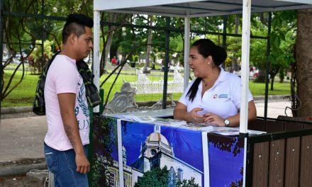 Casi 700 turistas obtuvieron información en módulos municipales