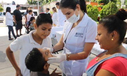 Brinda CEDEFU servicios de salud  en Mirador de la Cumbre II