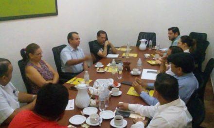 """Empresarios restauranteros piden a Felipe Cruz, que no permita la venta de """"El Mercadito"""""""