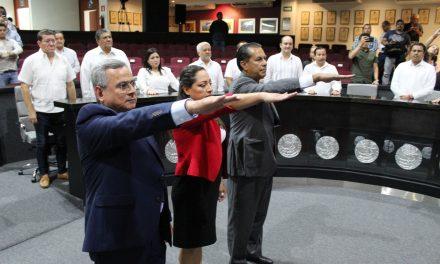 Rinden protesta Leticia Chávez, René Rodríguez y  Sergio Marcelino Bravo, como magistrados del STJE