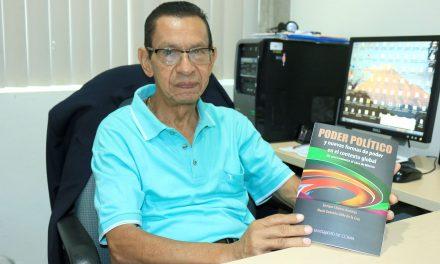 Presenta universitario libro sobre  poder político, en Aguascalientes