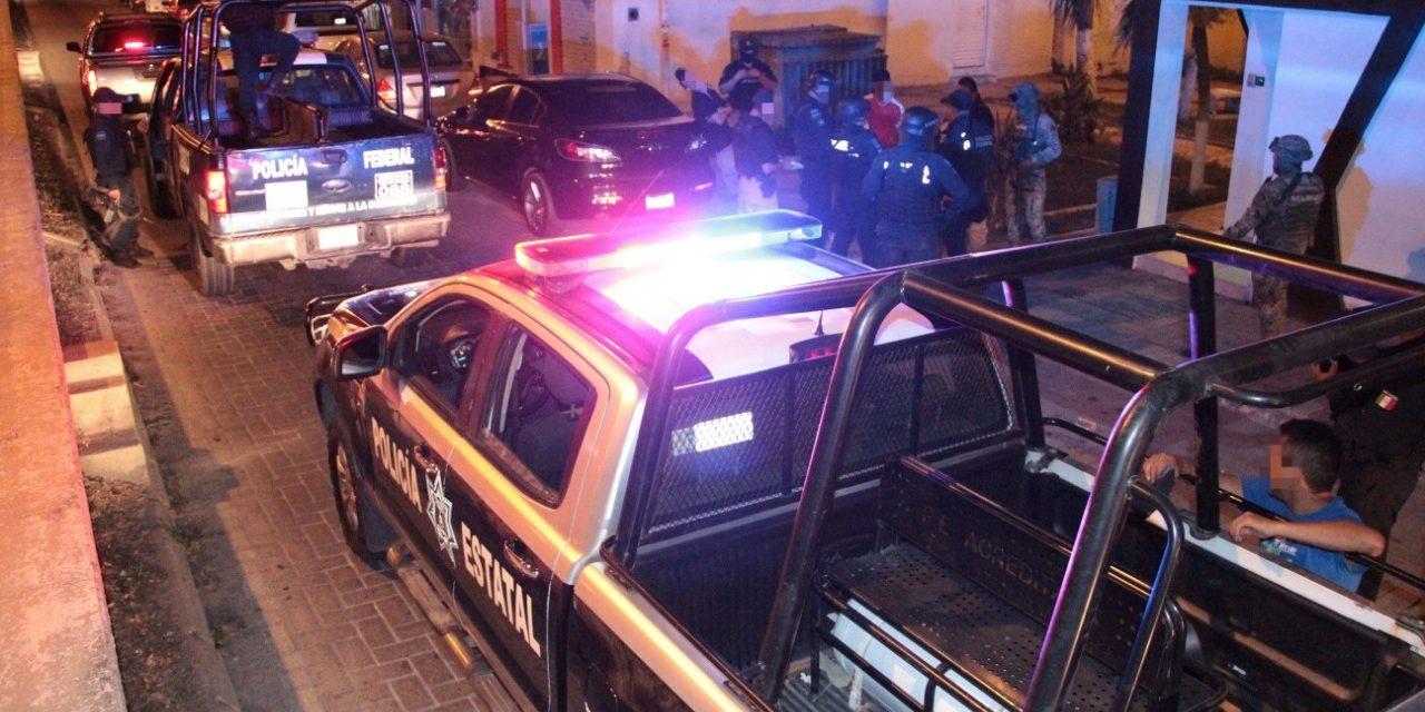 El alcalde de Armería Salvador Bueno, es señalado por golpear a su esposa