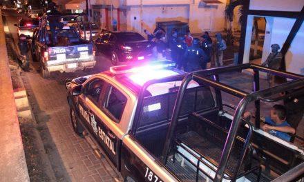 Recupera SSP seis vehículos con reporte de robo; aseguraron a dos sujetos con más de 50 dosis de droga