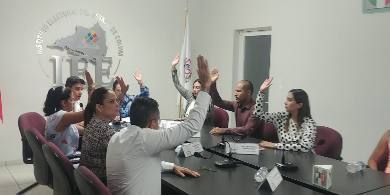 Entrega Instituto Electoral constancias como  diputadas a Martha Meza y Rosalva Farías