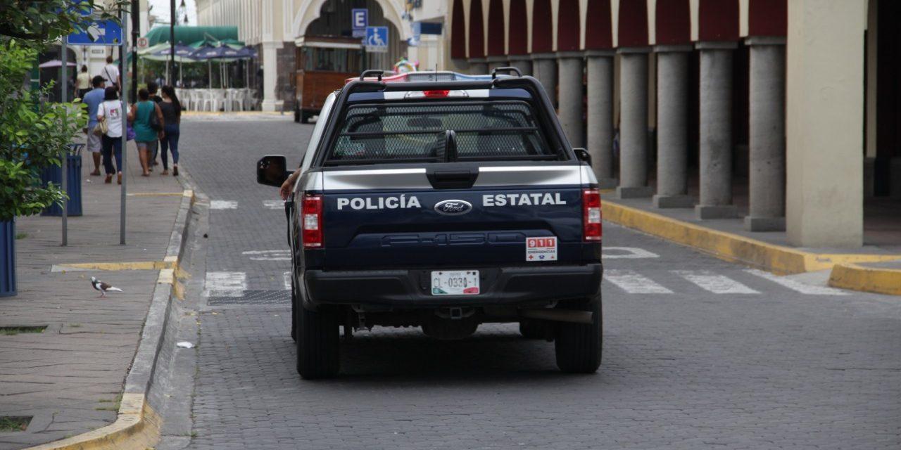 Policía estatal asegura a sujeto con arma cortaN;  Además capturaron a ocho sujetos con droga