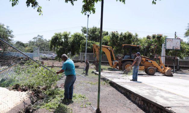 Inicia INCOIFED reconstrucción de  muro perimetral de secundaria Manuel Álvarez