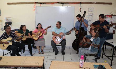Colima se posiciona a la vanguardia  en educación artística: Flores Merlo