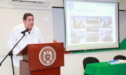 Exponen resultados del año Bachillerato 10  y Facultad de Comercio Exterior