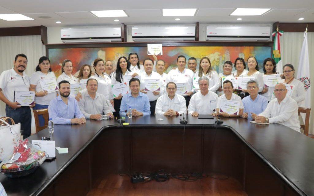 Reconoce Gobernador labor  de trabajadores del IEEA