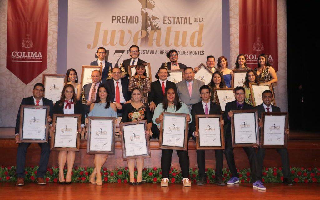 Entrega Gobernador Premio  Estatal de la Juventud 2017