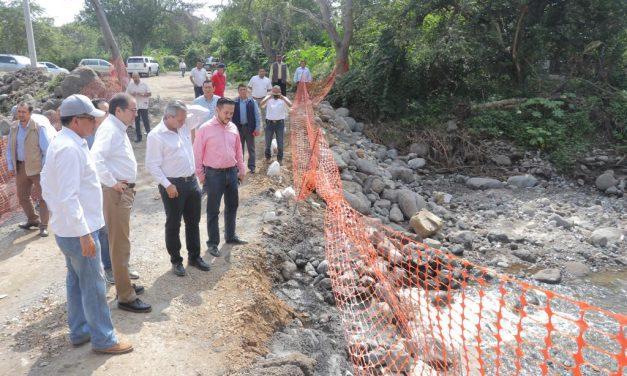Gobernador atiende demandas  de habitantes de San Joaquín, en Cuauhtémoc