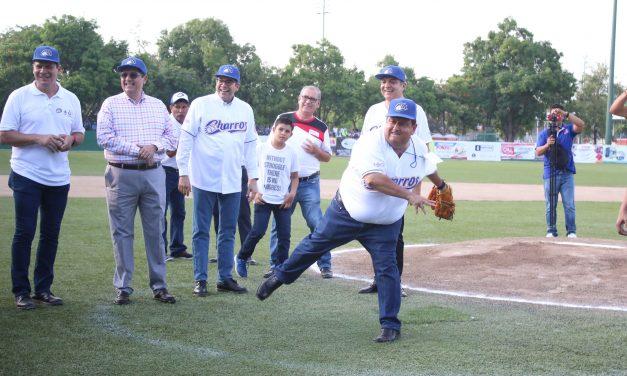Asiste rector al juego de pretemporada de beisbol de Charros de Jalisco
