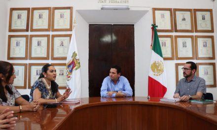 El Alcalde Leoncio Morán Sánchez, entrega proyectos para obra pública al nuevo Gobierno Federal.