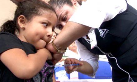 Niños y adultos mayores, prioridad  en vacunación contra influenza: Secretaría de Salud
