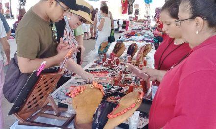 SEFOME apoya a artesanos  para que ofrezcan productos a turistas
